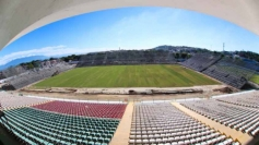 Installation de tribunes temporaires au stade Luso-Brasileiro pour accueillir Flamengo.